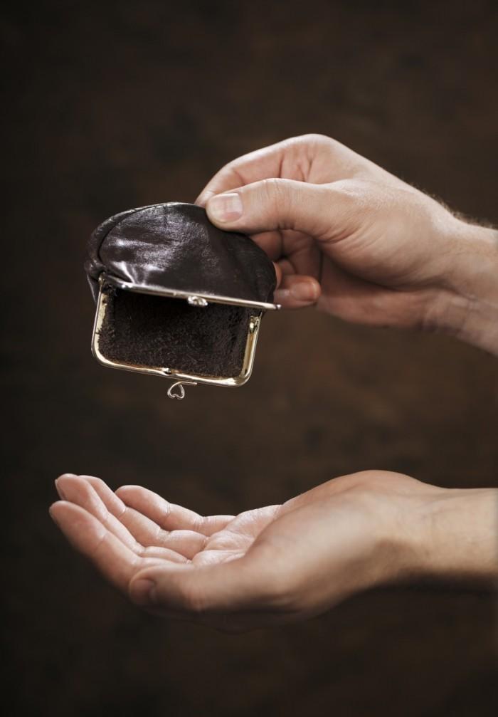 Dollarphotoclub 505796961 700x1007 Пустой кошелек   Empty purse