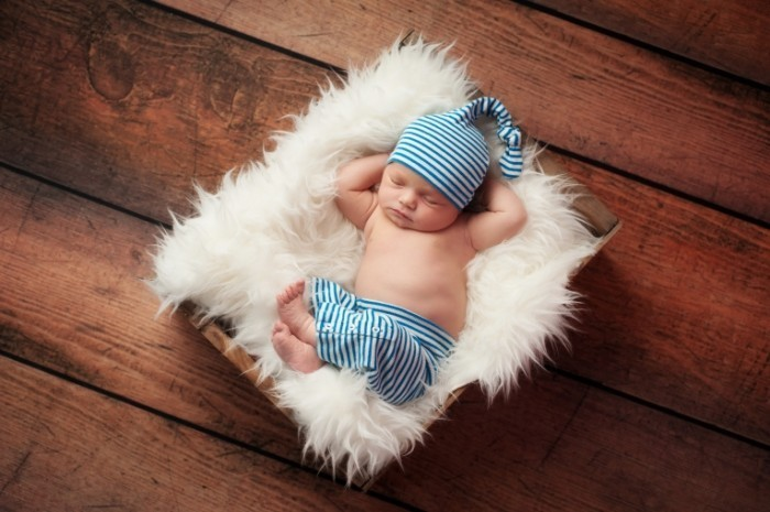 Dollarphotoclub 53177133 700x465 Новорожденный младенец   Newborn baby