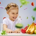 Девочка с фруктами и овощами - Girl with fruits and vegetables