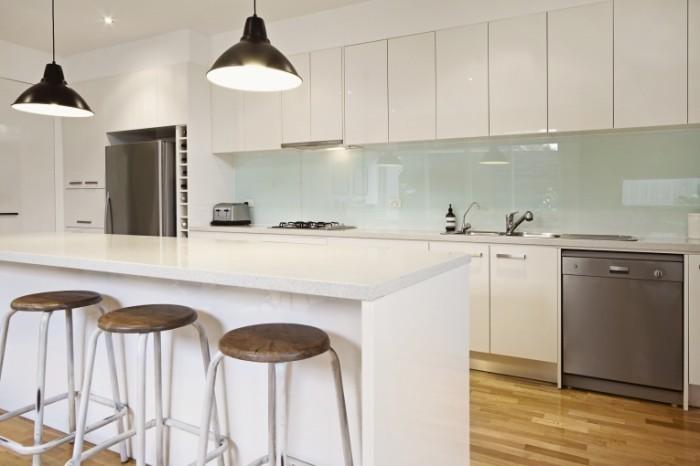 Dollarphotoclub 59497948 700x466 Интерьер кухни   Kitchen interior