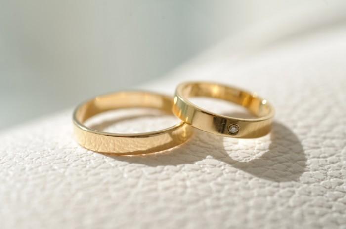 Dollarphotoclub 60353207 700x465 Обручальные кольца   Wedding Rings