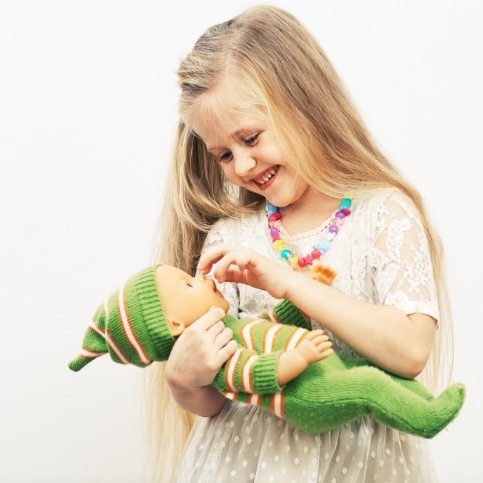 Dollarphotoclub 65436208 700x700 Девочка с куклой   Girl with a doll