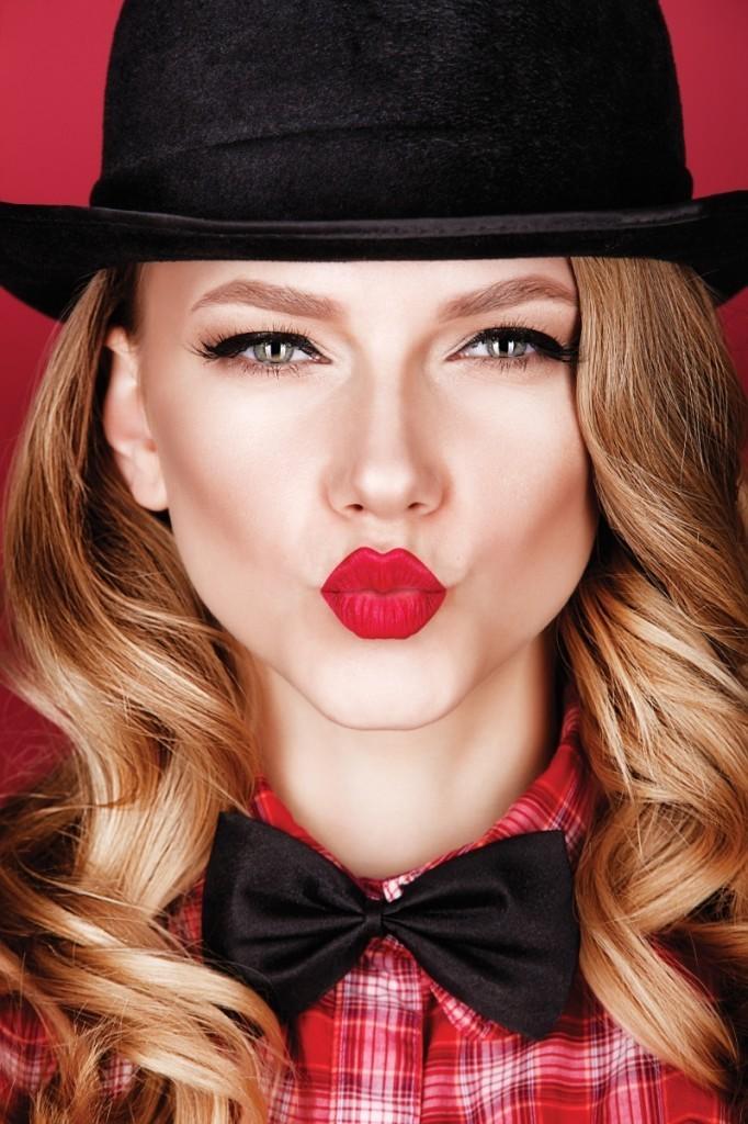 Dollarphotoclub 69042695 682x1024 Девушка в шляпе   Girl in the hat