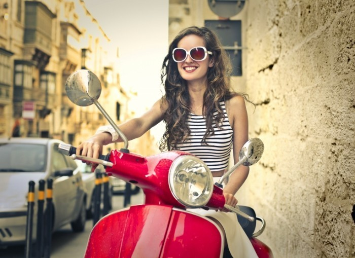 Dollarphotoclub 69773253 700x509 Девушка на мотоцикле   Girl on a motorcycle