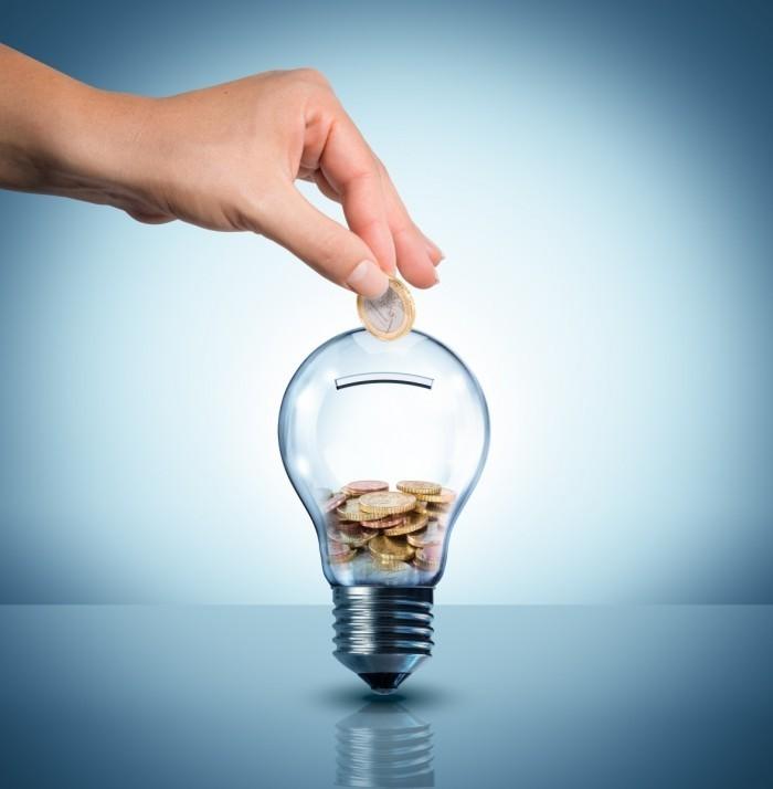 dollarphotoclub 62385777 700x714 Копилка в виде лампы   Piggy bank in the form of a lamp