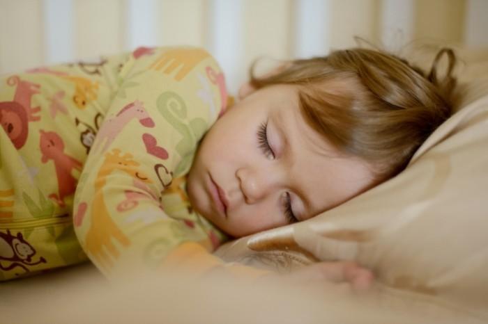 dollarphotoclub 62852929 700x466 Сон ребенка   Sleeping child