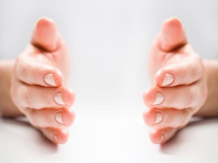 shutterstock 10494922 700x524 Руки   Hands