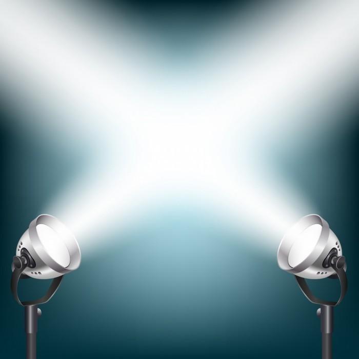 shutterstock 133900271 700x700 Фонари со светом   Lights with light