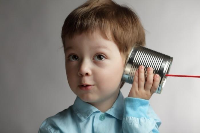 Dollarphotoclub 41909595 700x466 Ребенок с жестяной банкой   Child with tin cans