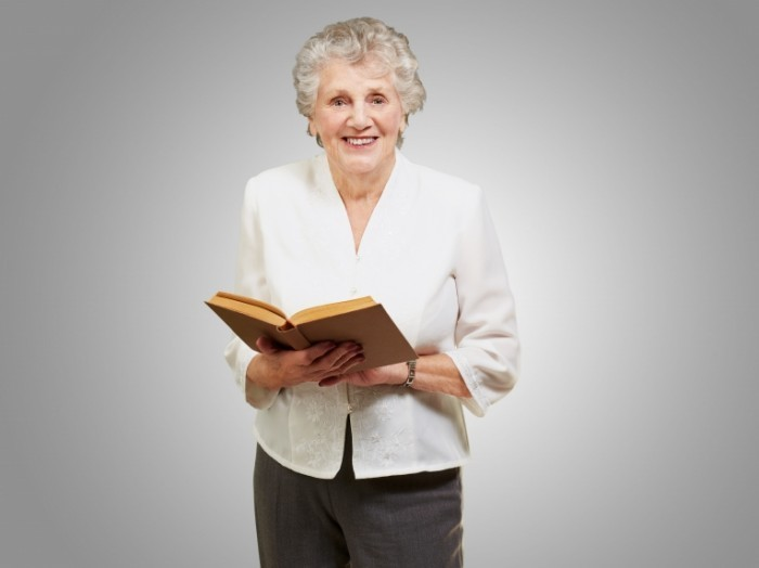 Dollarphotoclub 46969700 700x524 Пожилая женщина   Elderly woman