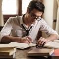 Парень за учебниками - Guy behind the textbooks