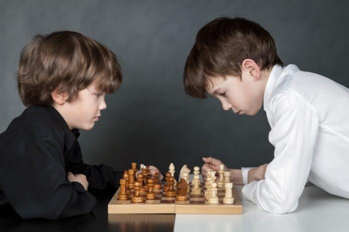 Dollarphotoclub 63630004 700x465 Маленькие шахматисты   Small chess