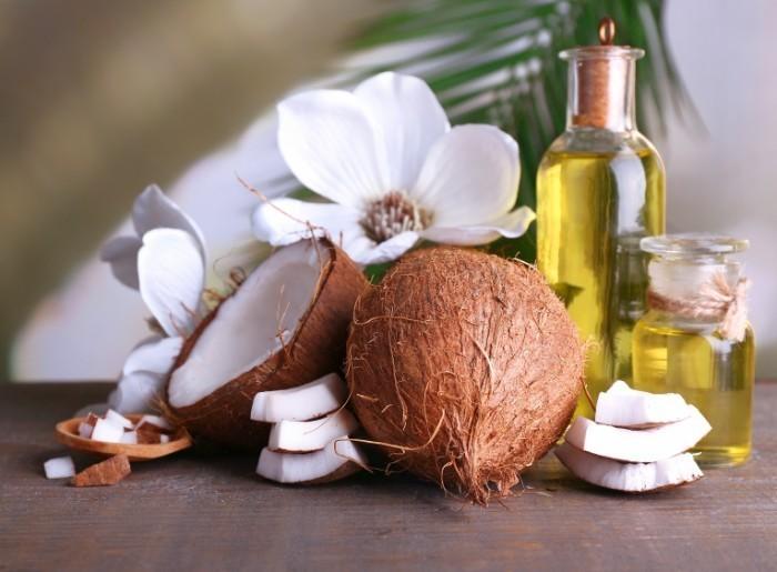 Dollarphotoclub 64544485 700x515 Кокосовое масло   Coconut oil