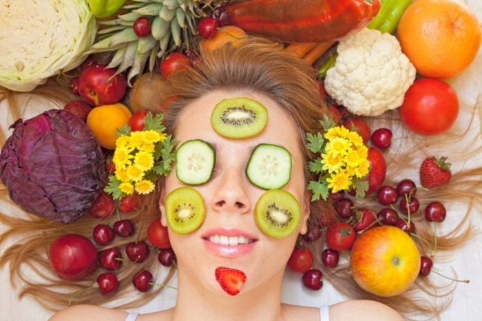 Dollarphotoclub 66468093 700x466 Лицо с маской из овощей   Face with a mask made of vegetables