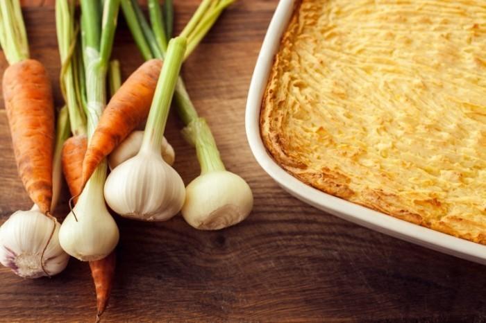 Dollarphotoclub 66752638 700x466 Запеканка с луком и морковью   Casserole with onions and carrots