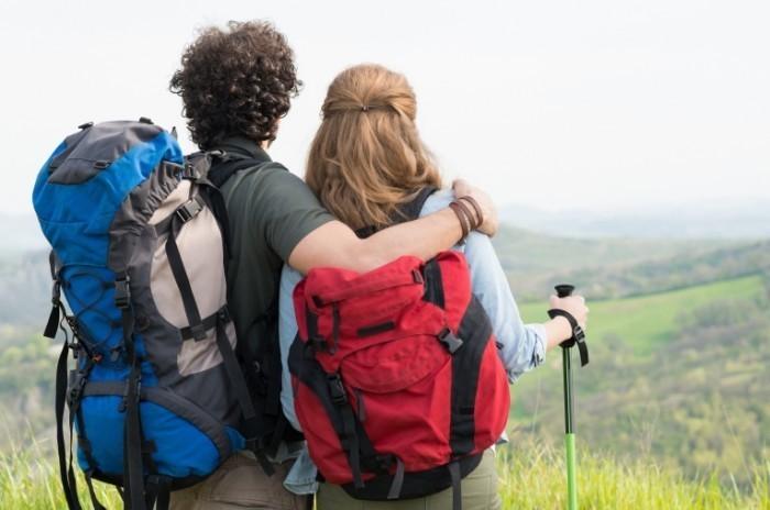 Dollarphotoclub 66917932 700x464 Пара туристов   Couple of tourists