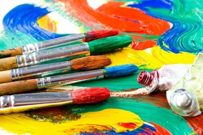 Dollarphotoclub 68011903 700x466 Краски и кисточки Paints and brushes
