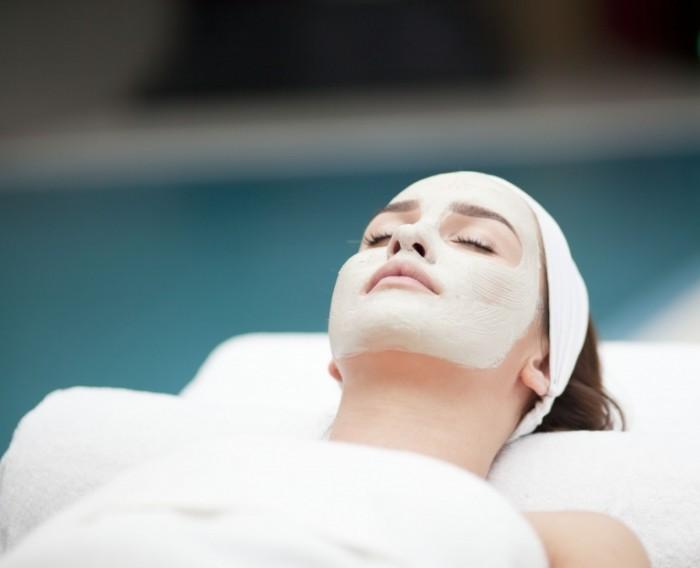 Dollarphotoclub 74063627 700x568 Уход за лицом   Facial Treatments