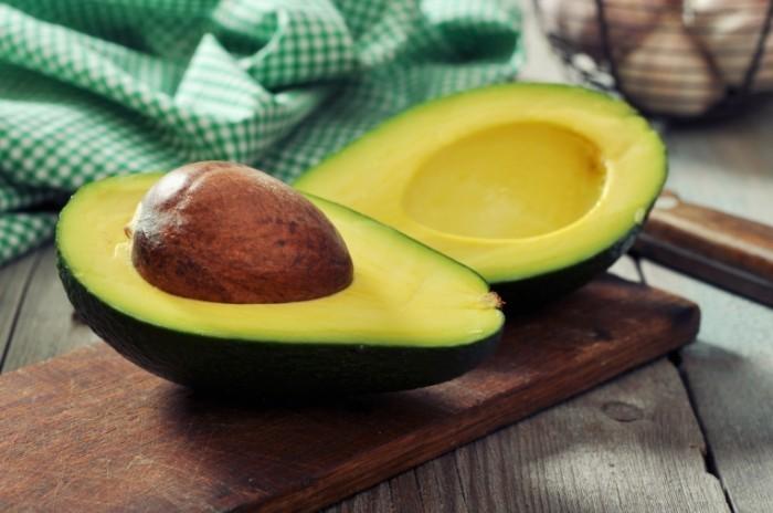dollarphotoclub 57168681 avocado 700x464 Авокадо   Avocado