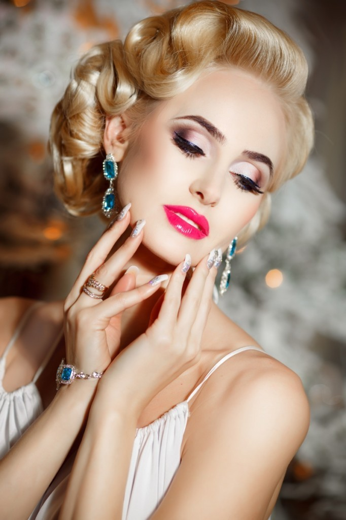 dollarphotoclub 62469435 682x1024 Красивая блондинка   Beautiful blonde