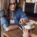 Девушка с кассовым аппаратом - Girl with cash register