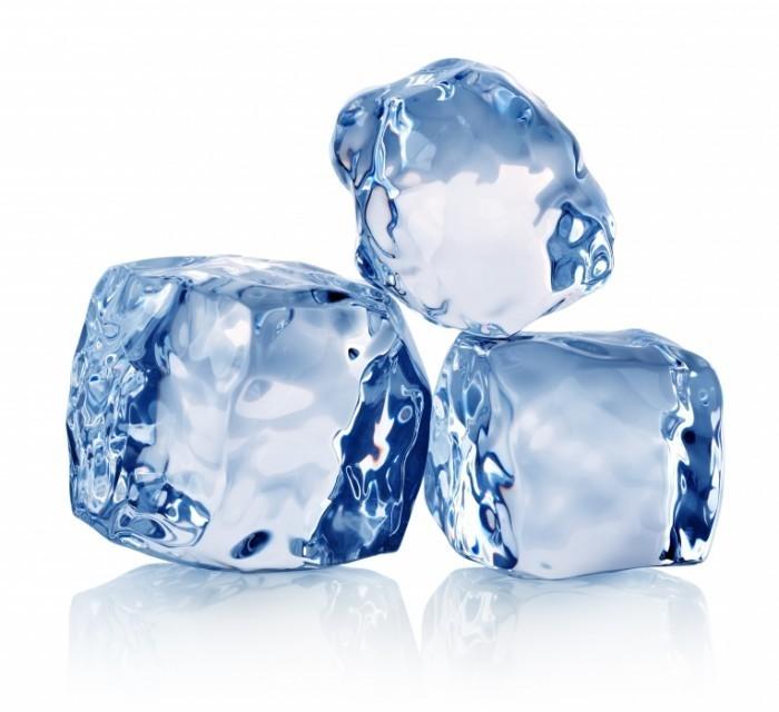 Dollarphotoclub 624863321 700x640 Кубики льда   Ice cubes