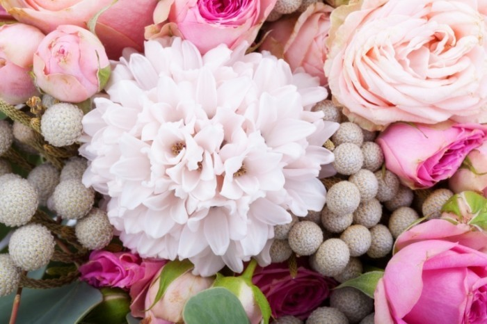 dollarphotoclub 62099233 700x466 Букет цветов   Bouquet of Flowers