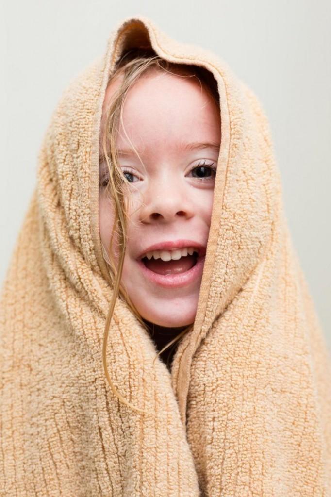 2028cbcc25cab99233b7c2edbb22eeccf40948bc 682x1024 Девочка в полотенце   Girl in towel