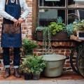 Садовник с инвентарем - Gardener with inventory