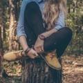 Девушка на пеньке - Girl on the stump