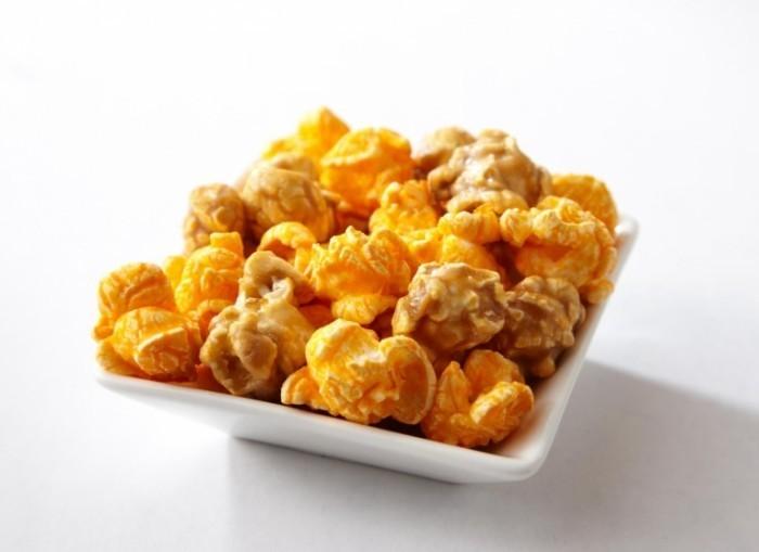 ghcreators 700x509 Попкорн в карамели   Chicago Mix Popcorn