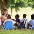 Дети с учительницей - Children with teacher
