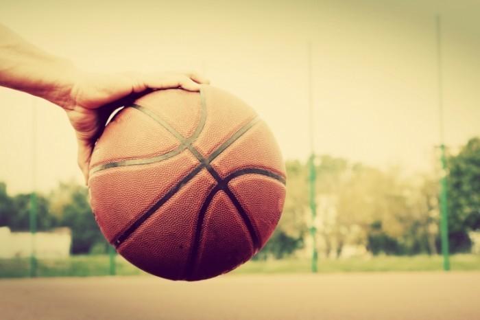 shutterstock 220368433 700x466 Баскетбольный мяч   Basketball