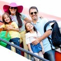 Семья у самолета - Family at aircraft