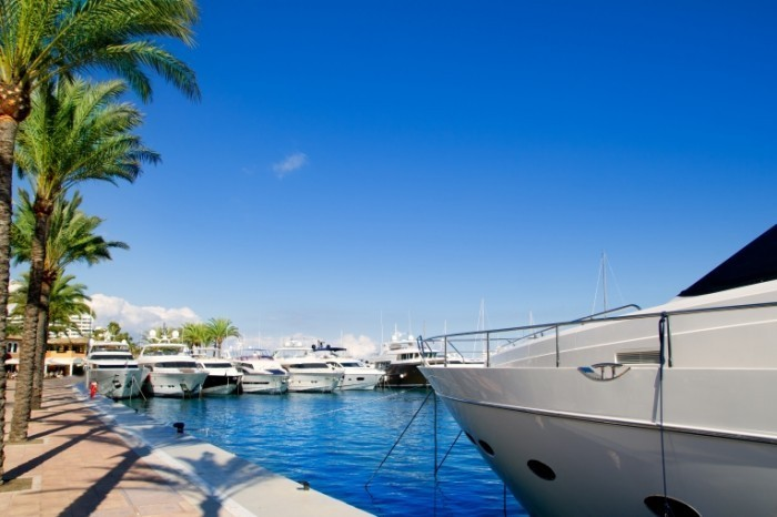 Fotolia 35397588 Subscription XXL 700x466 Яхта   Yacht