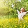 Счастливая девушка в поле - Happy girl in a field
