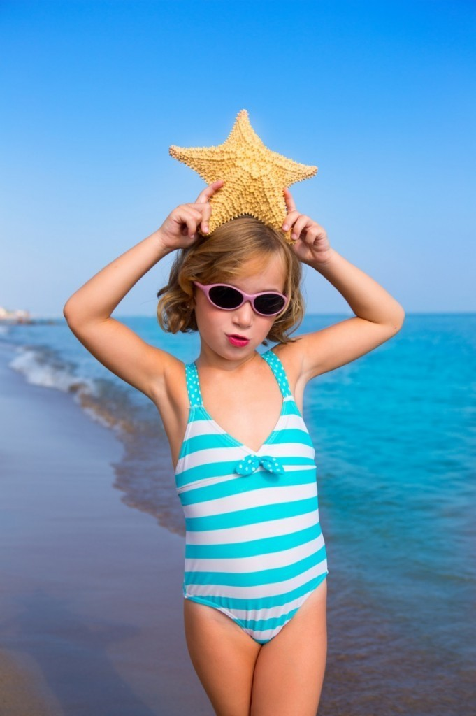 Fotolia 48278742 Subscription Monthly M 681x1024 Девочка на пляже   Girl on the beach