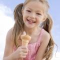 Девочка с мороженым - Girl with ice cream