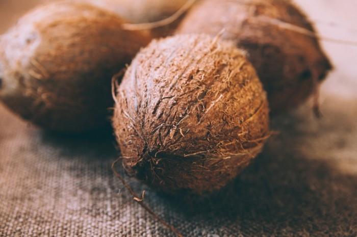 shutterstock 145788599 700x465 Кокос   Coconut