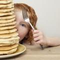 Девочка с блинами - Girl with pancakes