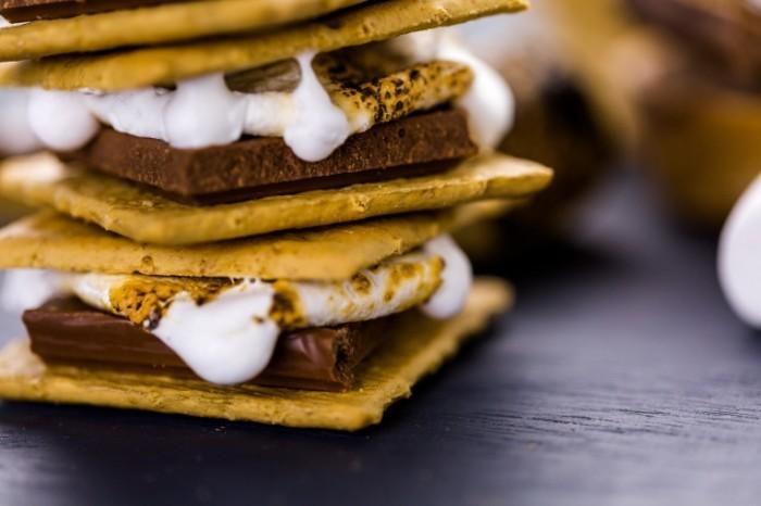 shutterstock 236018326 700x466 Печенье с кремом   Cookies with cream