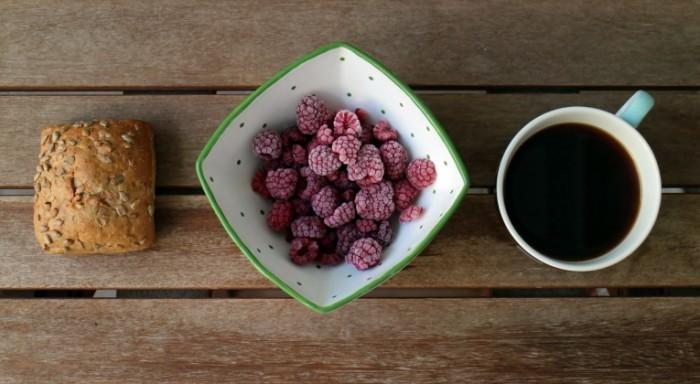 1443725 58313555firestock 700x384 Малина и кофе   Raspberry Coffee