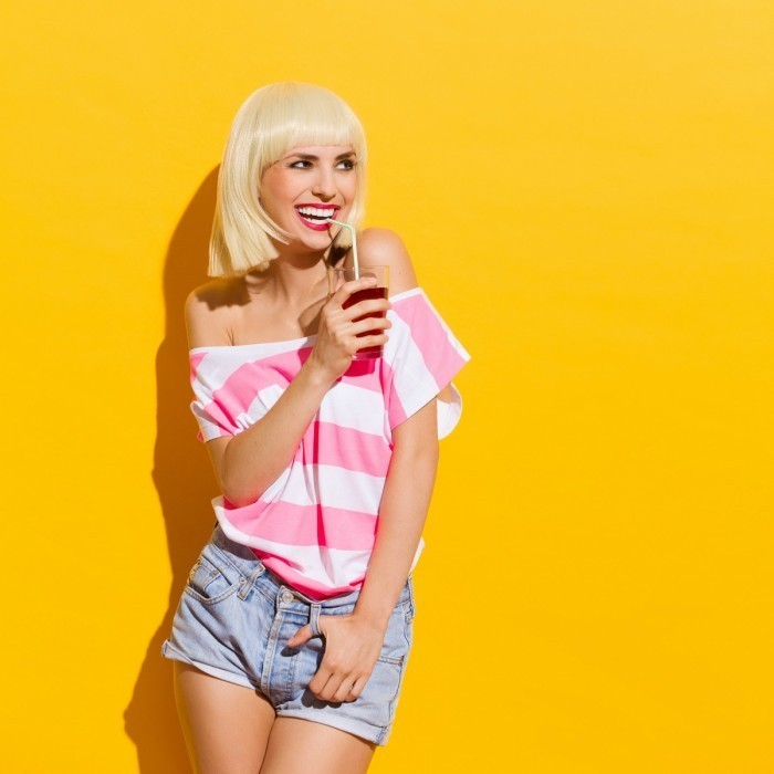 26fd9ffd4ce13c9b shutterstock 213551893.xxxlarge 2x 700x700 Стильная блондинка   Stylish blonde