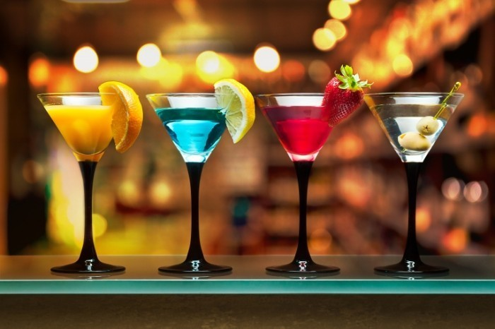 4 Martini cocktails Fotolia 700x466 Алкогольные коктейли   Alcoholic Cocktails