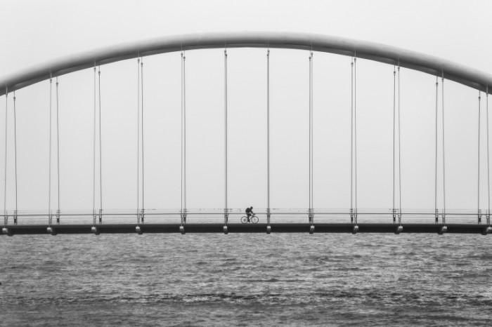 82743738 700x466 Мост   Bridge