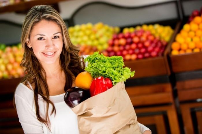 Depositphotos 16567423 xl 700x465 Женщина с овощами   Woman with vegetables