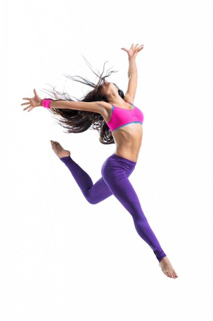 Fotolia 49717277 M 681x1024 Танцовщица в прыжке   Dancer in jump