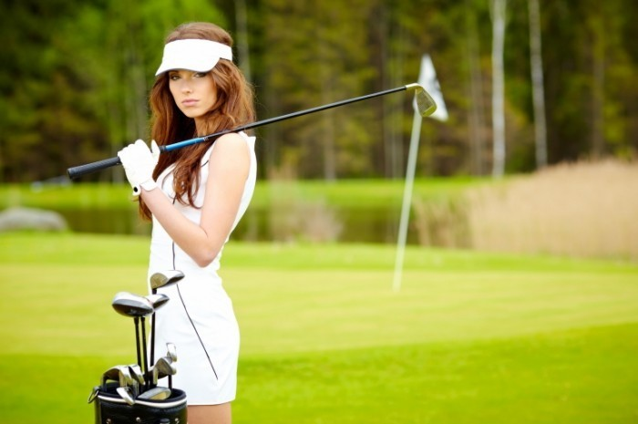 Fotolia 50302820 Subscription Monthly M 700x465 Девушка с клюшкой для гольфа   Girl with a golf club