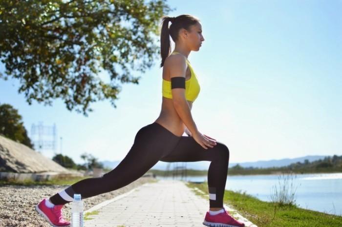 Fotolia 56758956 Subscription XL 700x465 Девушка на тренировке   Girl on training