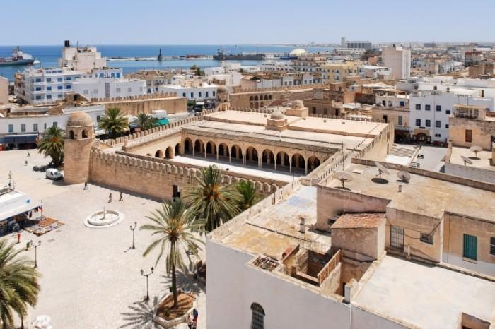 Fotolia 7574377 Tunesien L SergeyYakovlev 700x466 Архитектура Африки   African Architecture